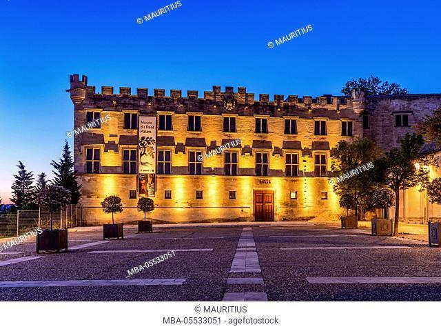 France, Provence, Vaucluse, Avignon, Place du Palais, Musée du Petit Palais