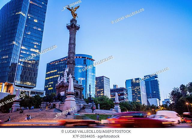 Angel statue, Independence Monument in Avenida de la Reforma, Mexico City, Mexico