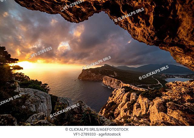 Vasi Rotti Caves, Capo Caccia, Alghero, Sassari province, sardinia, italy, europe