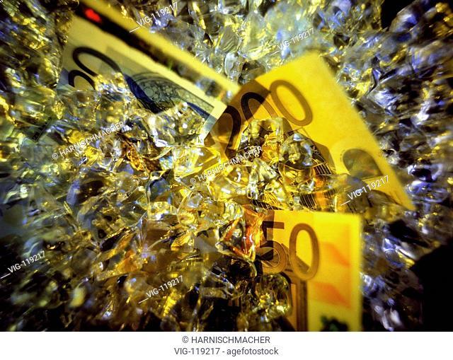 Euro notes and precious stones.  - 27/10/2005