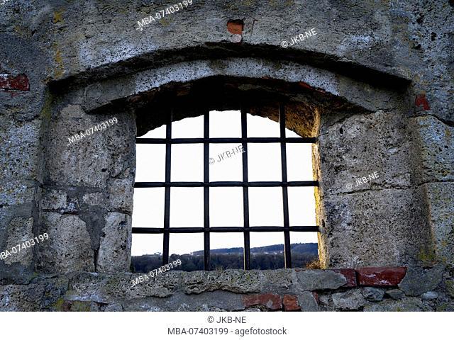 Germany, Bavaria, Upper Bavaria, Burghausen, castle, barred window in the castle wall