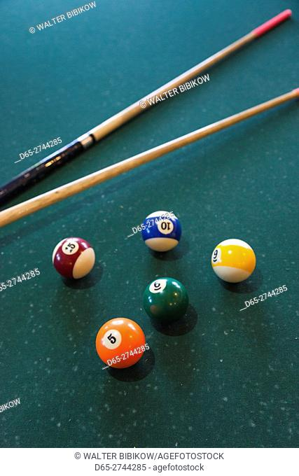Iran, Central Iran, Abyaneh, country inn, billiard balls