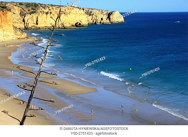 free of crowd, picturesque Porto de Mos beach, in background Ponta da Piedade, Lagos, Algarve, Portugal, Europe