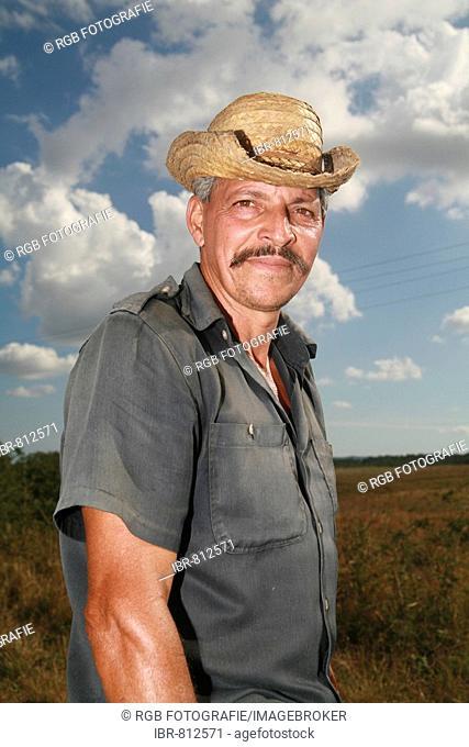 Farm labourer, Vinales, Pinar del Río Province, Cuba, Latin America