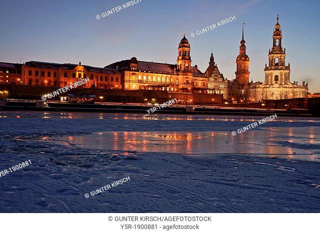 View over the frozen Elbe river to the Sekundogenitur, Staendehaus building, Georgentor gate, the Hausmannsturm tower and the Catholic Court Church at...