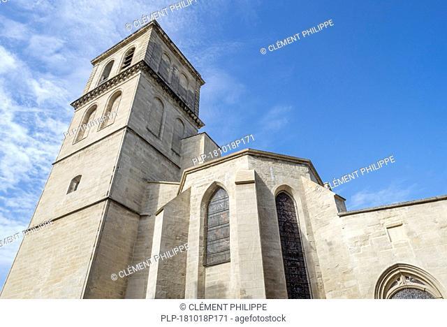 Belltower of the 14th-century Gothic Collégiale Saint-Agricol d'Avignon Avignon, Vaucluse, Provence-Alpes-Côte d'Azur, France