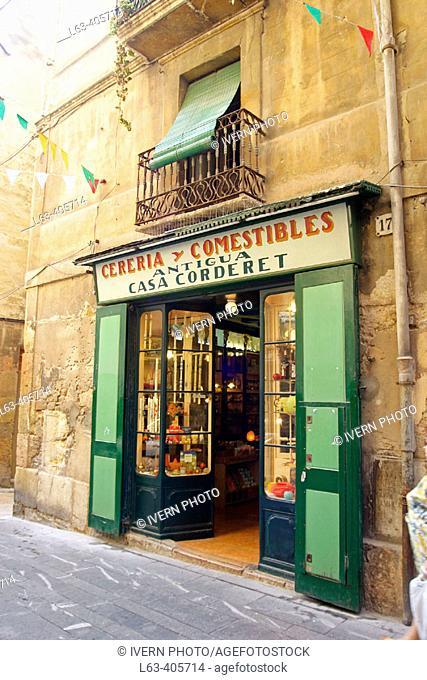Chandler's old shop. Carrer de la Merceria. Tarragona. Spain