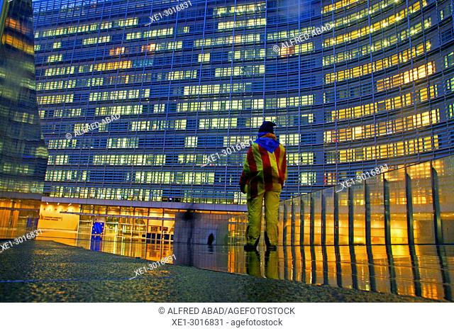 sunset, Catalan flag, Berlaymont building, headquarters of the European Commission, Brussels, Belgium