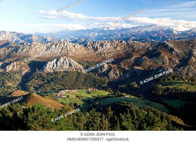 Spain, province of Asturias, Picos de Europa national Park, seen from the viewpoint of Fito