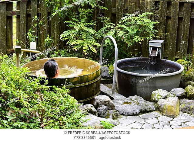 Outdoor bath onsen, Hakone, Japan, Asia
