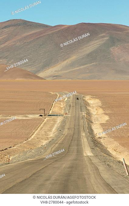 Road in Maricunga Salinas, near chilean border, Region III of Atacama, Chile, South America