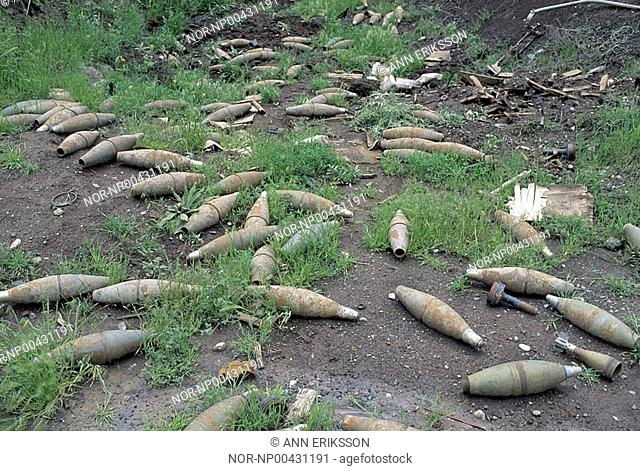 Grenades left behind from the Iran-Iraque war, Iraque 1992