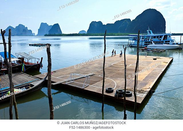 Panyee fishing village  Phang Nga Bay, Andaman Sea, Thailand, Asia