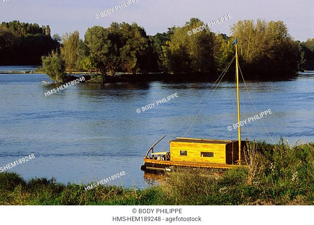 France, Indre et Loire, Loire Valley listed as World Heritage by UNESCO, toue cabanee traditional flat boat of Loire River on Loire River near Brehemont
