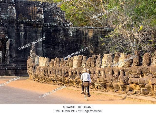 Cambodia, Siem Reap, Angkor temple complex, site listed as World Heritage by UNESCO, ancient city of Angkor Thom south gate
