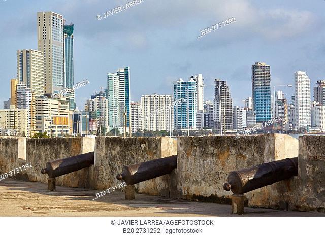 Baluarte de San Francisco, Bocagrande background, Cartagena de Indias, Bolivar, Colombia, South America