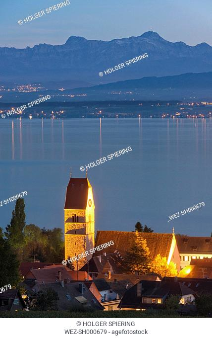 Germany, Baden Wuerttemberg, View of church at Lake Constance