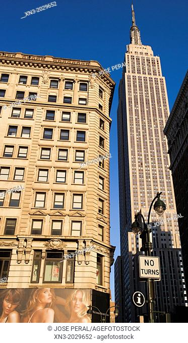 34th street, at right Empire State Building, Midtown, Manhattan, New York, New York City, United States, USA