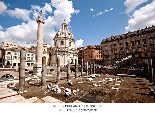 Colonna Traiana - Chiesa del Santissimo Nome di Maria al Foro Traiano, Rome, Italy