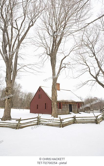 USA, New Jersey, Morristown, Morristown National Historical Park, Jockey Hollow, Tempe Wick House in winter
