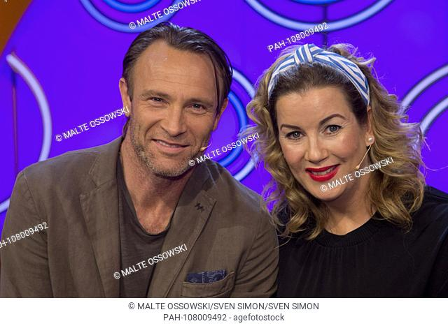 """From left: Bernhard BETTERMANN, Germany, actor, and Alexa Maria SURHOLT, Germany, actress, guest on the show """"""""Dingsda"""""""", television program, recorded on 27"""