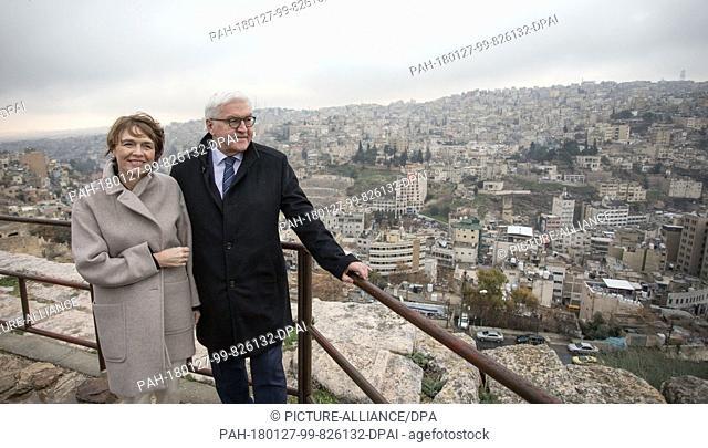 German President Frank-Walter Steinmeier (C) and hsi wife Elke Buedenbender (l) at the citadel in Amman, Jordan, 27 January 2018
