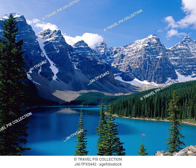 Banff National Park / Moraine Lake, Banff, The Rockies / Alberta, Canada