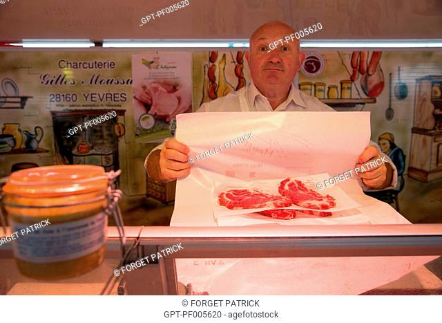 PORK CHOP, GILLES MOSSU'S PORK PRODUCT STAND, COVERED MARKET, CHARTRES (28), FRANCE