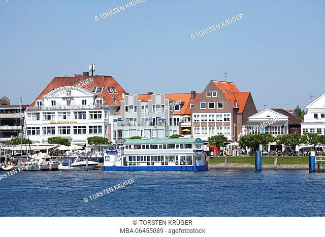 Houses in the front row, promenade, Lübeck-Travemünde, Schleswig - Holstein, Germany