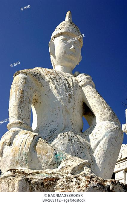 Guardian figure, Set-taw-ya-Pagoda, Mingun, Myanmar, Burma