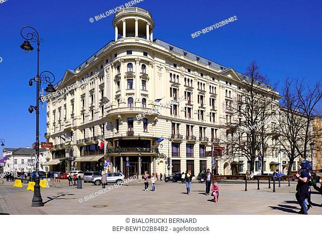 Warszawa, Polska - starowka warszawska - Hotel Bristol przy ul. Krakowskie Przedmiescie Warsaw, Poland - Historic quarter of Warsaw old town - Bristol Hotel...