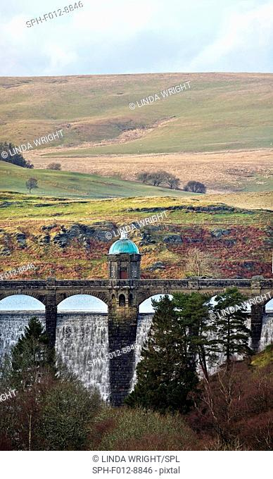 The highest of the dams in the Elan Valley, it is 1040 feet (317m) above sea level