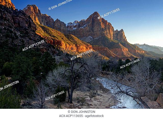 Alpenglo on the Watchman mountain, Zion National Park, Utah, USA