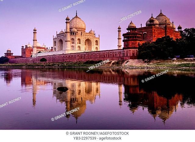 The Taj Mahal At Sunset, Agra, Uttar Pradesh, India