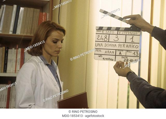 Italian actress and TV presenter Elisabetta Gardini getting ready to shoot a scene of the TV series Una donna per amico. Italia, 1997