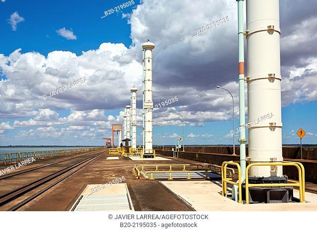 Itaipu Binacional Hydroelectric Power Plant. Generator of renewable clean energy. Itaipu Dam. Foz do Iguaçu. Paraná. Brazil