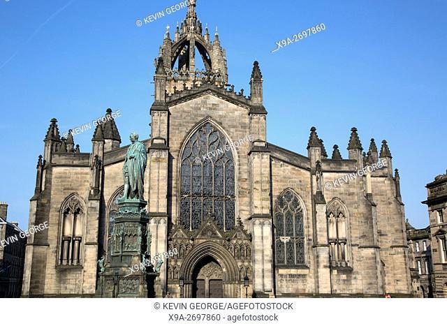St Giles Cathedral Church with Walter Scott Statue by Bohem (1888); Royal Mile; Lawnmarket; Edinburgh; Scotland