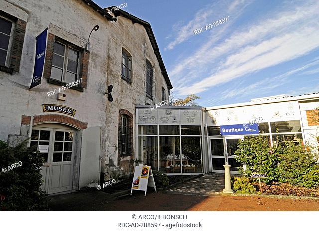 Musee de la Faiencerie, pottery museum, Gien, Loiret, Centre, France / Candia Sanctus Martinus, Plus beaux villages de France