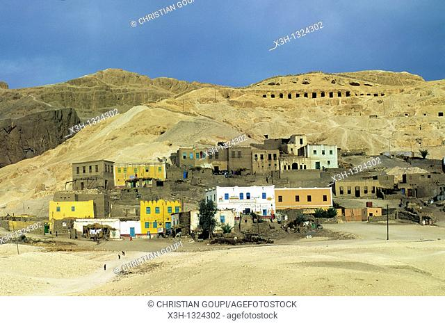 village of the foothills on the west bank of the Nile river, Thebes, Egypt, Africa