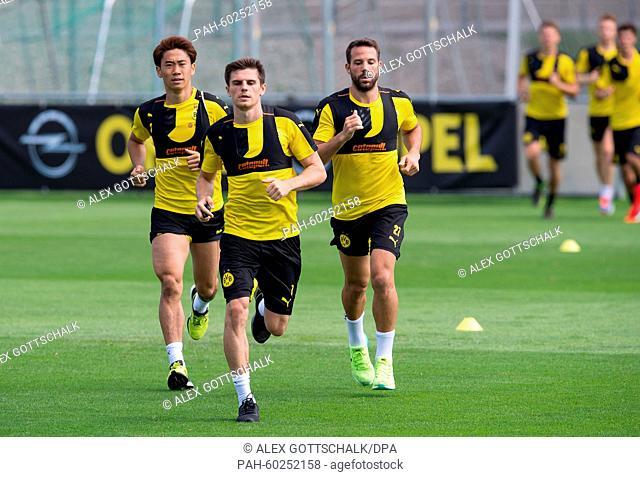 German Bundesliga Borussia Dortmund training camp in Bad Ragaz, Switzerland, 21 July 2015. Shinji Kagawa (BVB) (l), Jonas Hofmann (BVB) and Gonzalo Castro (BVB)...