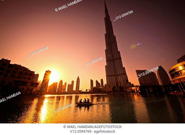 Burj Khalifa, Burj Dubai, the tallest building in the world in downtown Dubai at sunset