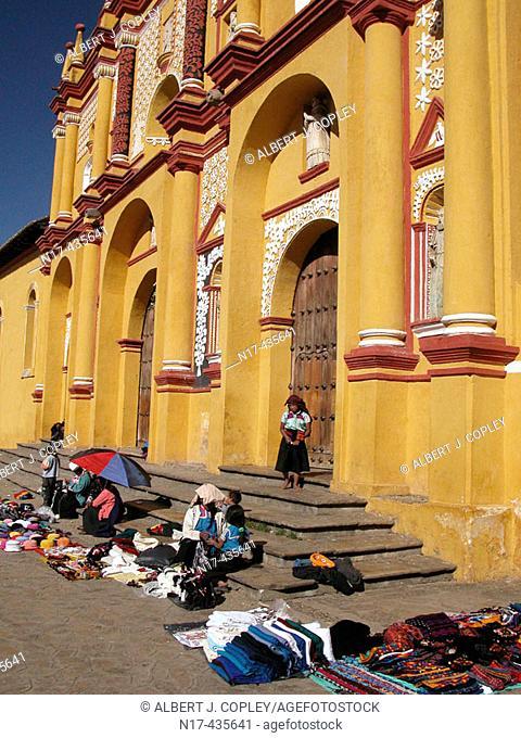 Vendors in front of cathedral, San Cristóbal de las Casas. Chiapas, Mexico