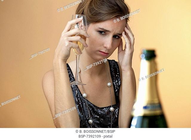 WOMAN DRINKING Model