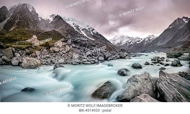 Hooker River, Hooker Valley, Rear Mount Cook, Mount Cook National Park, Southern Alps, Canterbury Region, Southland, New Zealand