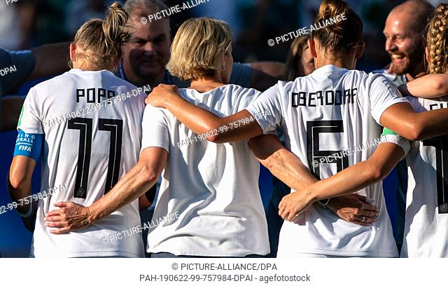 22 June 2019, France (France), Grenoble: Football, women: World Cup, Germany - Nigeria final round, round of sixteen, Stades des Alpes: Germany's Alexandra Popp...