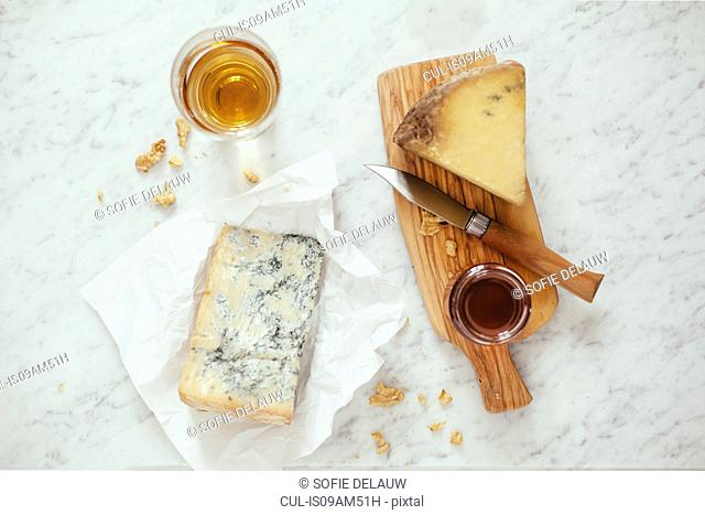 Blue cheese, honey, sweet wine, knife