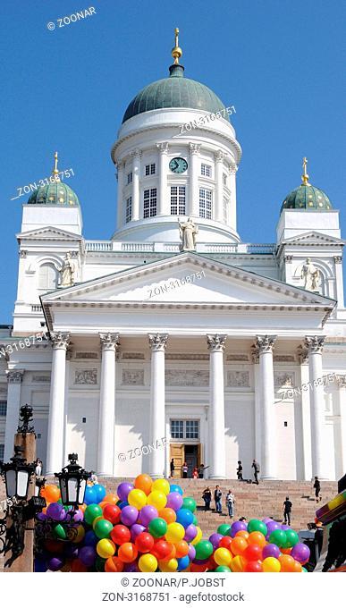 Die Kathedrale von Helsinki wurde in den Jahren 1830 bis 1852 errichtet / Helsinki Cathedral was built 1830-1852