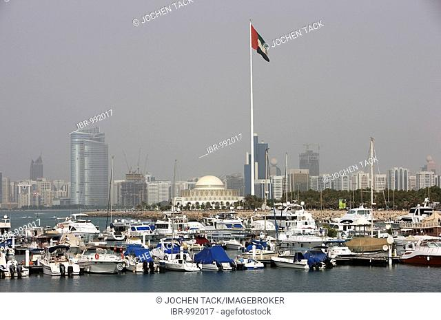 Skyline at the Corniche and yacht harbour, Abu Dhabi, United Arab Emirates, Middle East