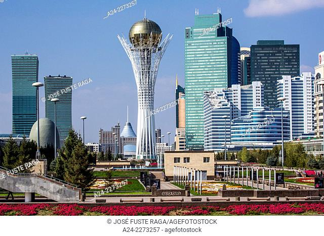Kazakhstan, Astana City, New Administrative City, Nurzhol Avenue and Bayterek Monument