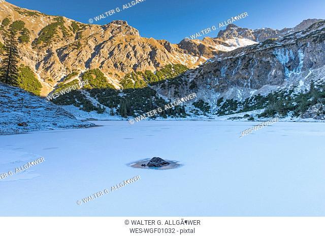 Germany, Bavaria, Allgaeu Alps, Lower Lake Gaisalpsee